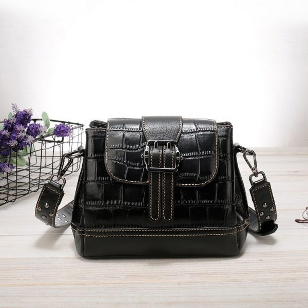 Women's leather handbag, cowhide fashion trend messenger bag. A649 black