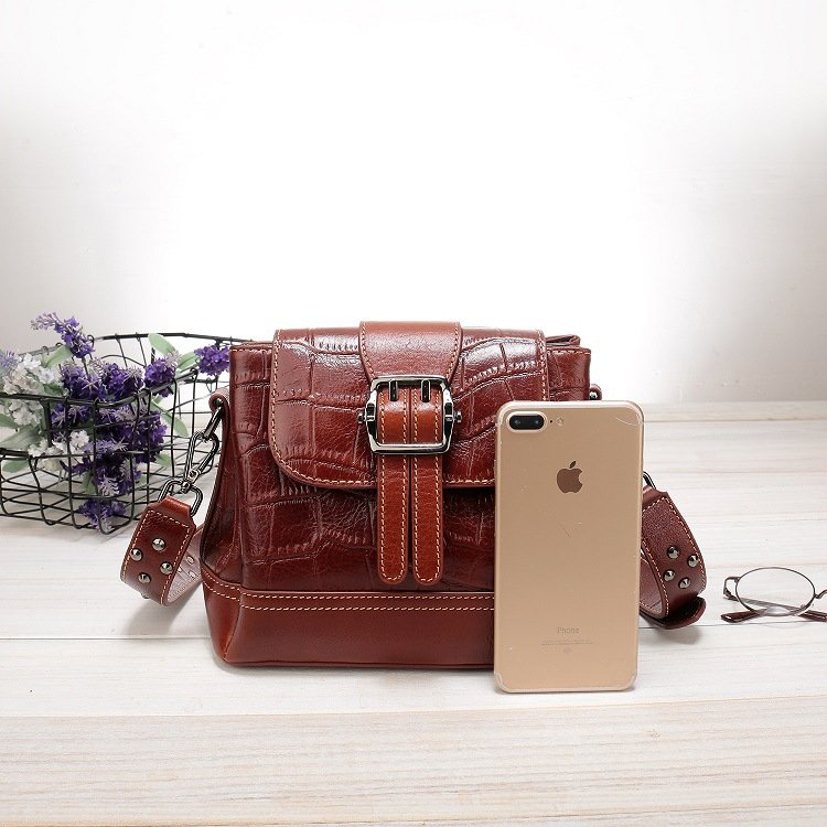 Women's leather handbag, cowhide fashion trend messenger bag. A649 red 2