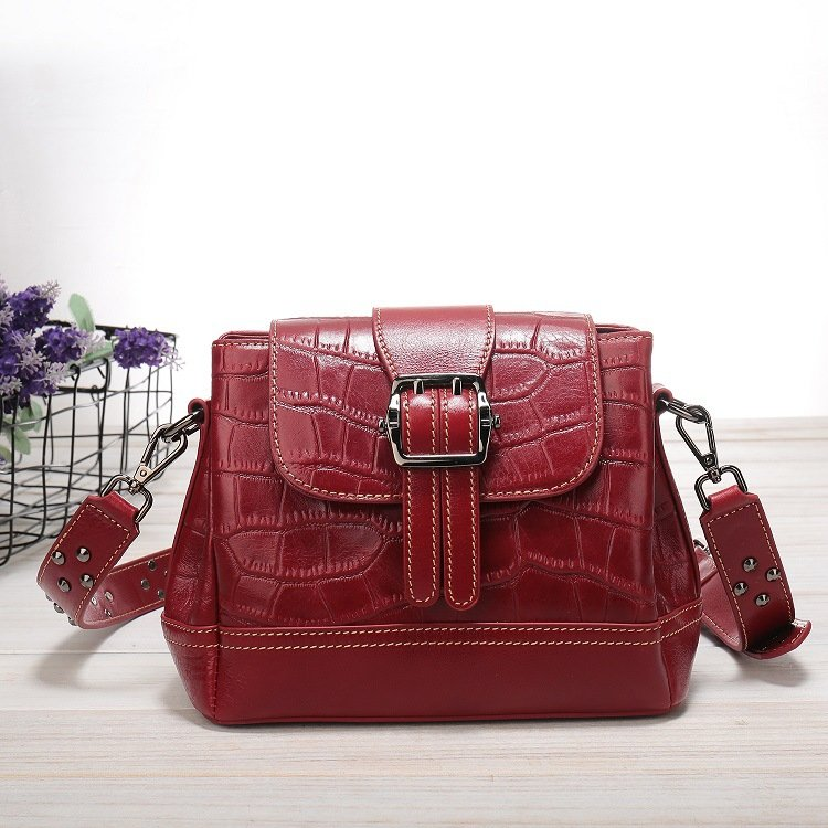 Women's leather handbag, cowhide fashion trend messenger bag. A649 red 9